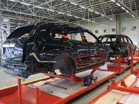 За прошедший месяц производство продукции автомобильного машиностроения сократилось вдвое