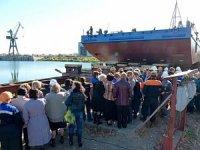 """ССЗ """"Лотос"""" спустил на воду понтон для судоходной компании """"АРК"""""""