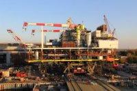 """На """"Астраханском судостроительном производственном объединении"""" завершена операция по надвижке ЛСП-1 на транспортно-монтажную баржу"""
