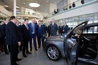 Lada Vesta и Lada XRay пришлись по нраву главе правительства РФ
