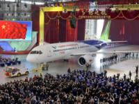 Первый разработанный в Китае пассажирский авиалайнер C919 сошел с конвейера