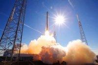 Компания SpaceX смогла совершить посадку первой ступени ракеты-носителя