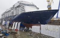 Финская верфь Meyer Turku спустила на воду круизное судно Mein Schiff 5