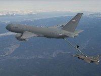 Испытание по дозаправке истребителя F-16 танкером KC-46 прошло успешно