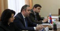 Замглавы Минпромторга провел переговоры с президентом Schneider Electric в России