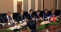 Денис Мантуров провел переговоры с министром промышленности и информатизации Китая