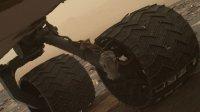 Марсоход Curiosity повредил свои колеса
