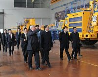 """БелАЗ"" посетили гости из КНР"