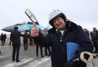 Совершивший первый полет на новейшем МиГ-35 летчик удостоен награды