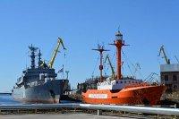 """Кронштадтский морской завод завершает обновление плавучего маяка """"Ирбенский"""""""