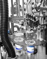 """""""Таурас-Феникс"""" разработал автомат для фасовки жидких и пастообразных продуктов в пластиковые стаканы"""
